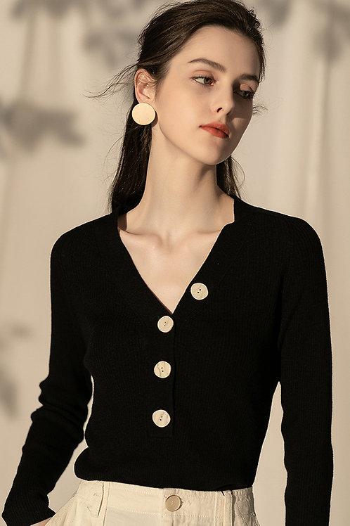 Ecru Emissary | Black Alma Sweater