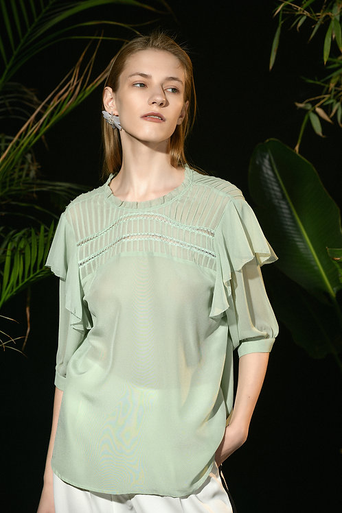 Ecru Emissary | Fresh Green Silk top