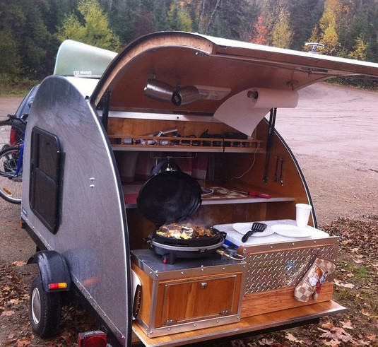 Breakfast on the go at Algonquin Park
