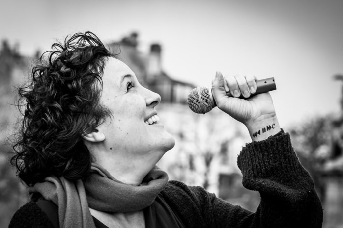 artikel nieuwsblad:Brusselse 'Bettie' maakt liedje over Lockdown