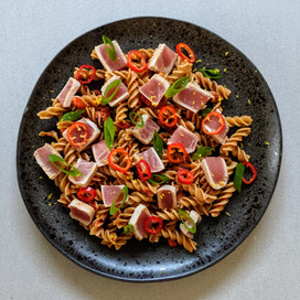 Tuna Steak with Roast Pepper Pesto Pasta : Red Label