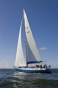 Meripartiolippukunta Ruoripojat purjehtii Passeli-veneellään