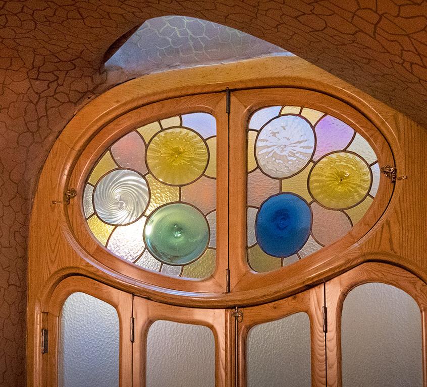 Spain-Barcelona-Batllo-Gaudi-glass-242