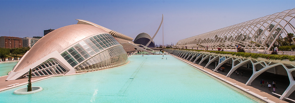 The City of Arts and Sciences is one of the modern amenities available to retires in Valencia Spain.