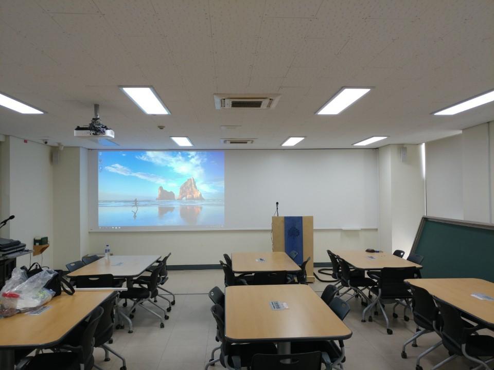 월토커 UHD 매직스크린  강의실 일반 : 크기: 1800*500