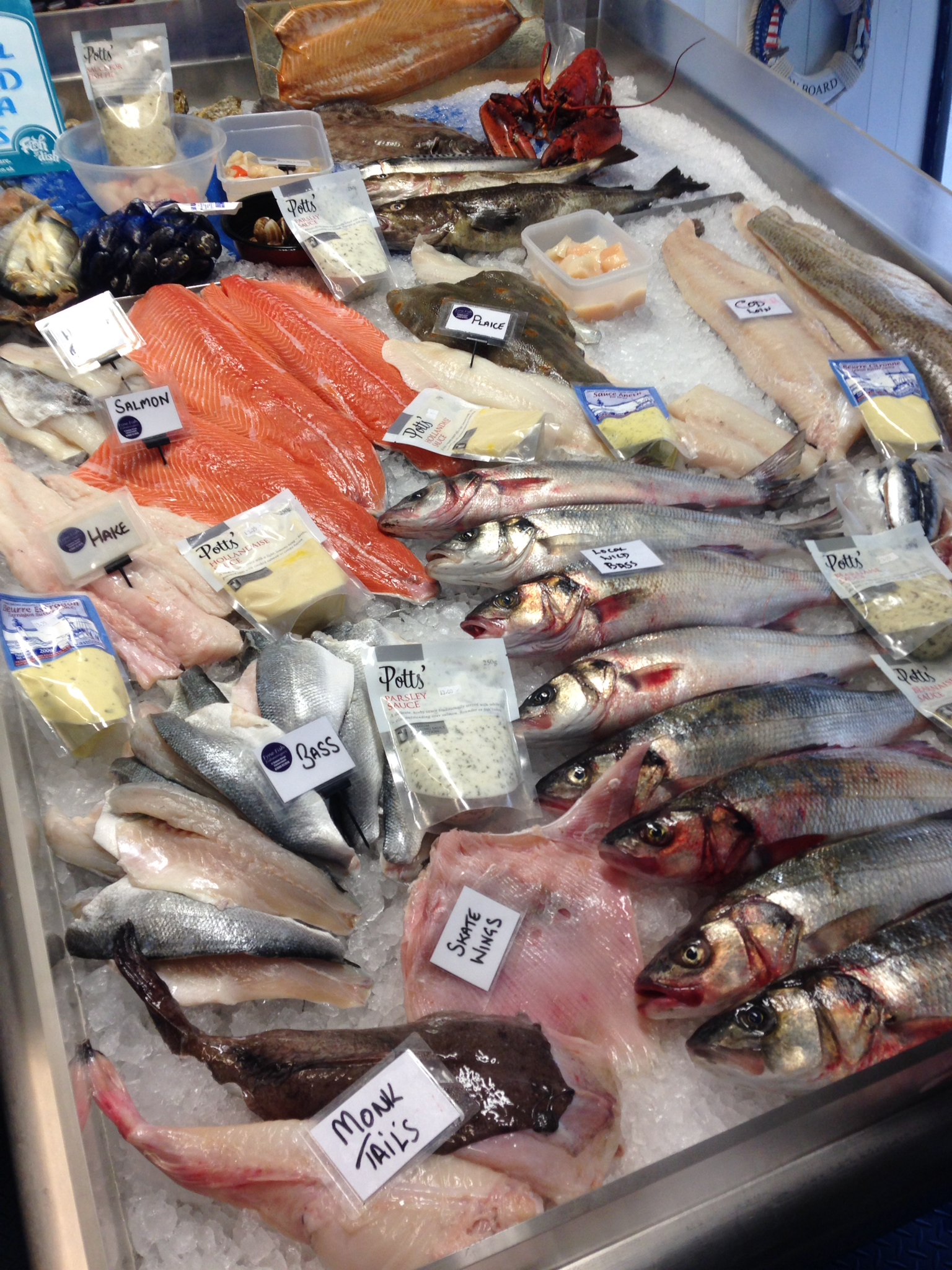 Fyne fish Wet fish counter
