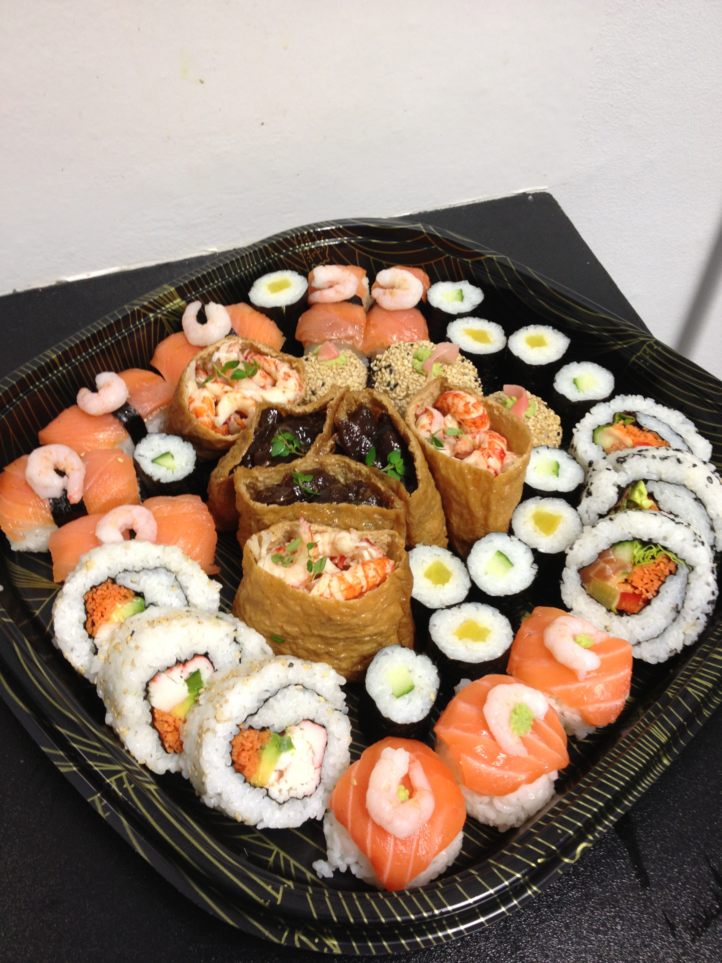 Fyne fish Sushi Platter