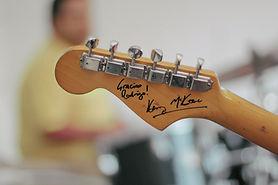 サイン入りギター