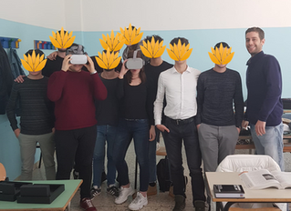 Virtual Reality in Italian Schools for English Learning