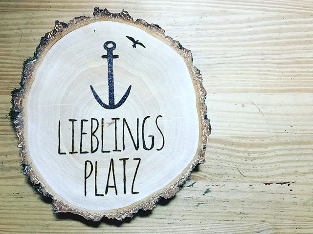 Little one 🤗 #momblogger #woodburning #pyrography #lieblingsplatz #woodburning #momlife #momwithtat