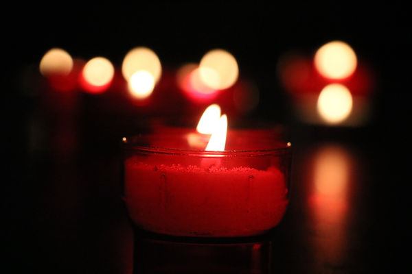 candle light red.jpg