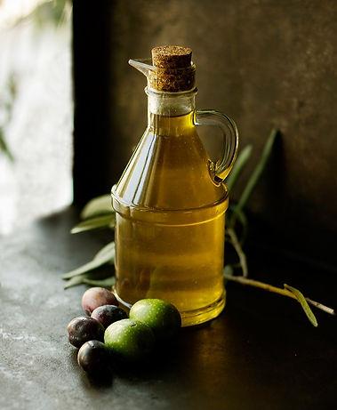 Olive_oil_bearbeitet.jpg