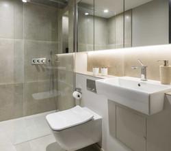 bathroom (2)_edited.jpg