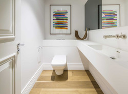 bathroom (4)_edited.jpg