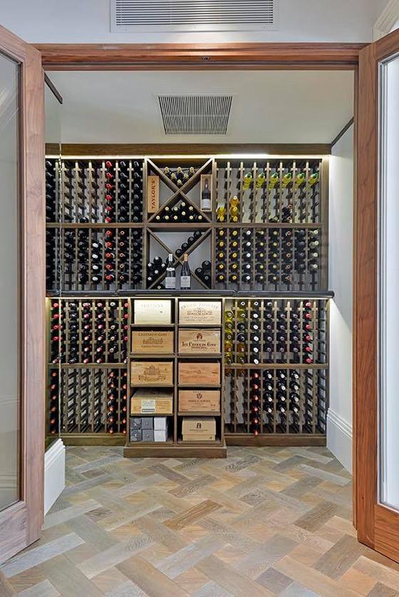 Wine-O'Clock