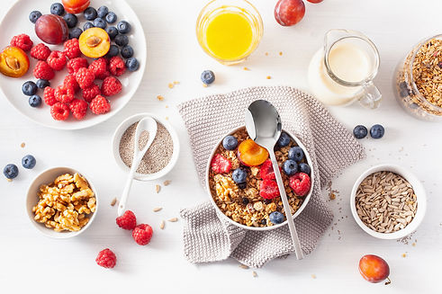 healthy-granola-for-breakfast-with-berry