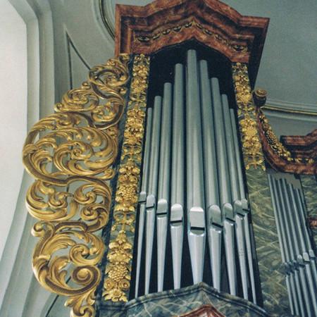 Church organ gilding