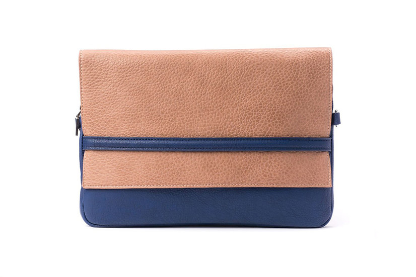 "13"" ""Attitude"" Laptop Case in Sand/Blue"
