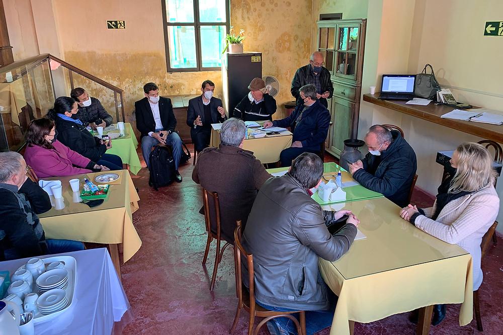 Amserra reúne-se com secretário Leonardo Busatto