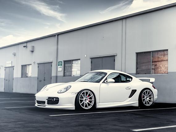porsche_white_wheels_94894_1600x1200.jpg