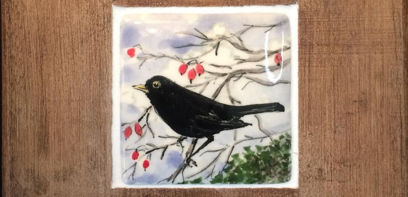 Blackbird and berries tile 5cm