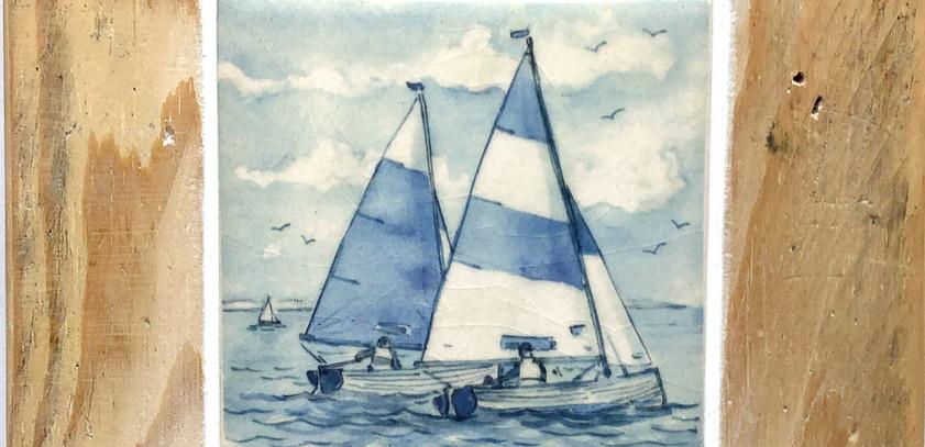 Blue sailing boats tile 10cm