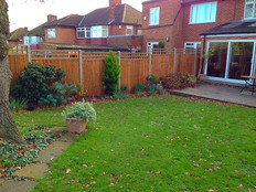 A run of fencing in Welling.