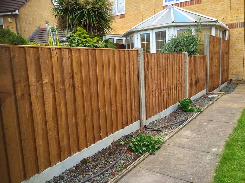 Close board panel fencing in Erith, DA8.