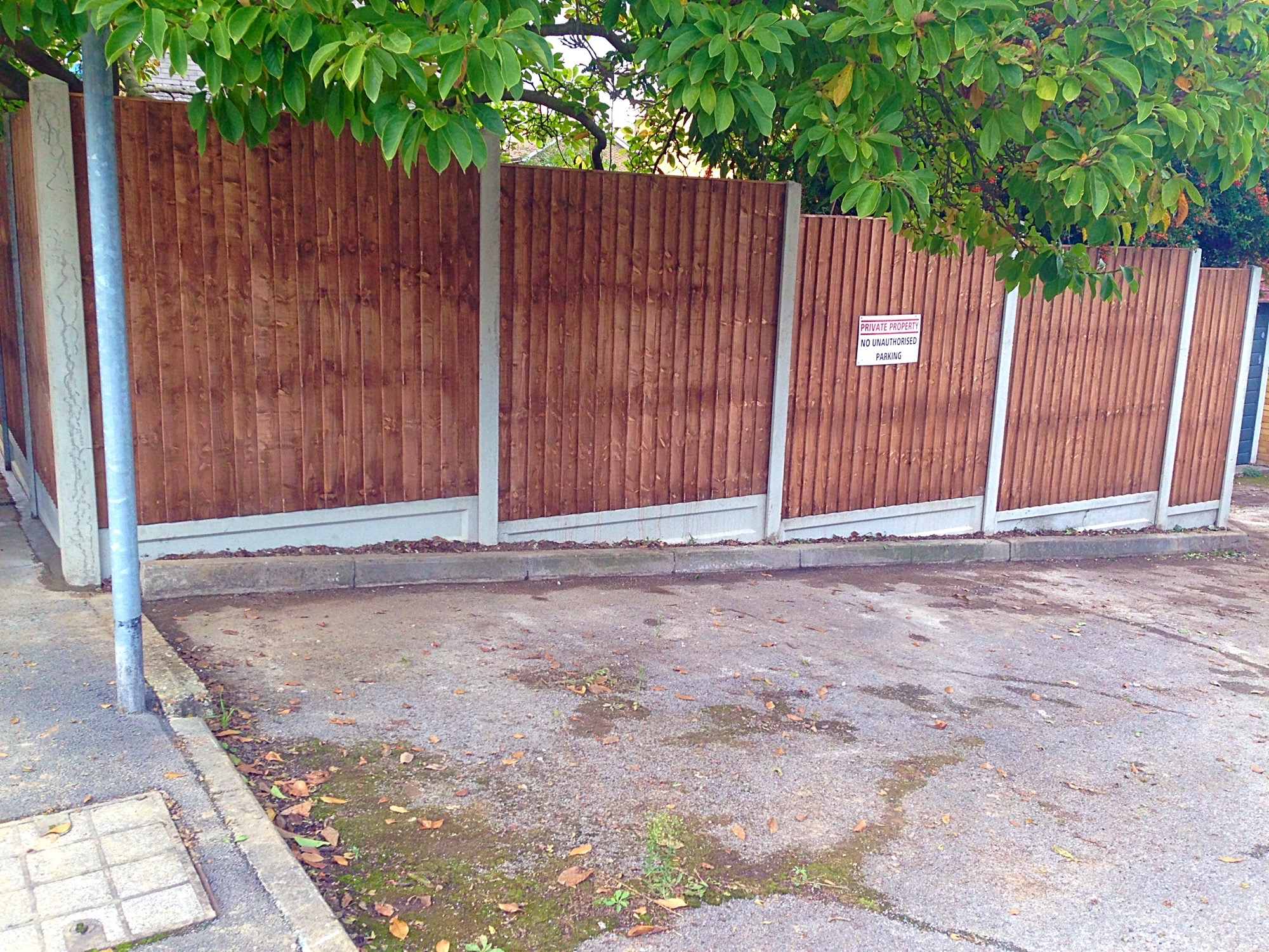 Fence panel installer in Bexley.