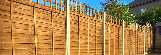 Waney lap penel fencing installed in Crayford.