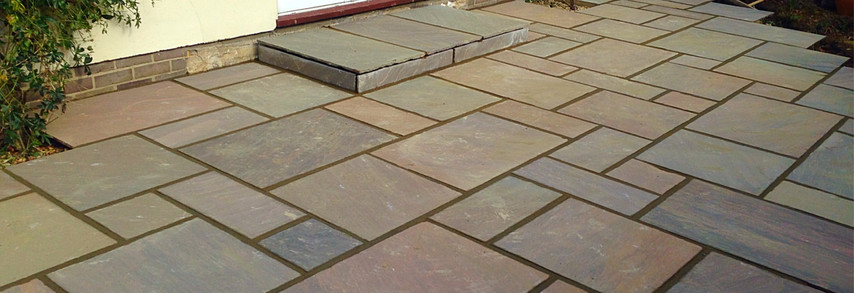 We also install paving from time to time! Here some we layed in Sevenoaks.