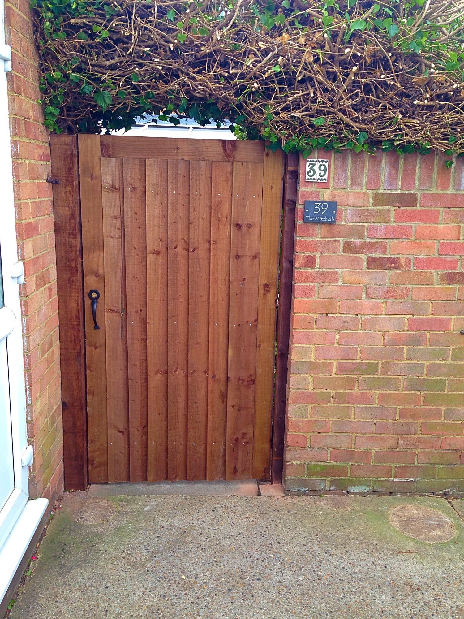 Single Gate installed in Barnehurst.