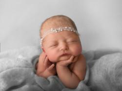 Froggie posie newborn photography