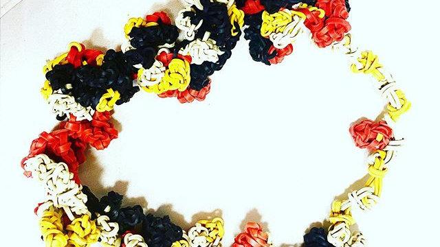 colors special knots