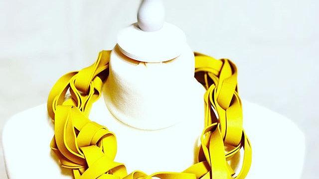 yellow big traids