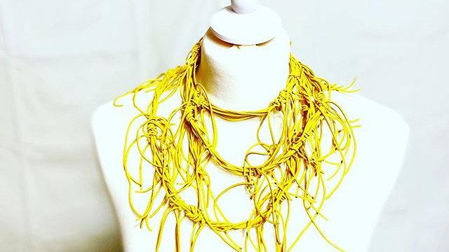 yellow hairs