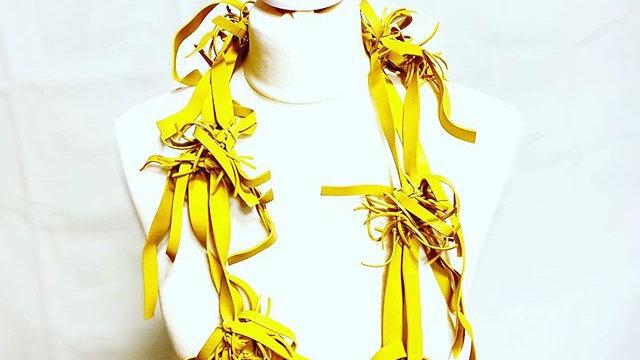 yellow big hairs