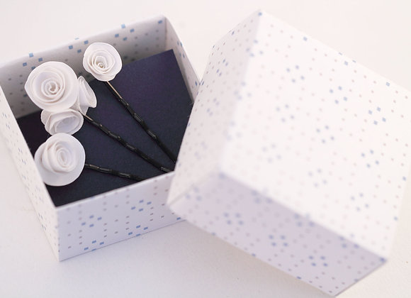 TROIS BOBBY PINS ROSES blanches