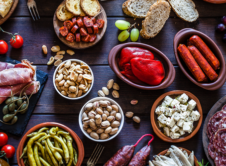 How to Build the Perfect Cheese & Charcuterie Board