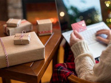 How to Save Money on Holiday Shopping This Year