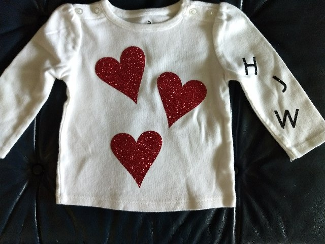 Party-Red Glitter Hearts on Child's shirt 11-15-17_edited