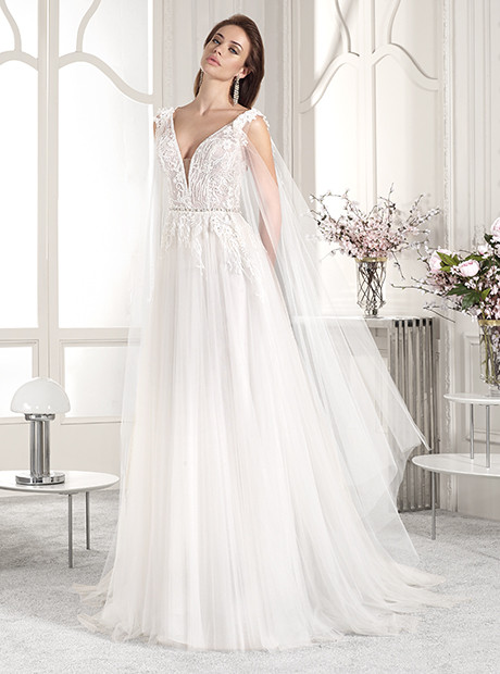 bride wearing A-line wedding gown