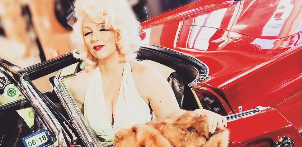 Marilyn Monroe Impersonator, Dallas, Marilyn Lookalike, Birthday Singing Telegram Dallas, Grace as Marilyn, Marilyn Monroe Actress