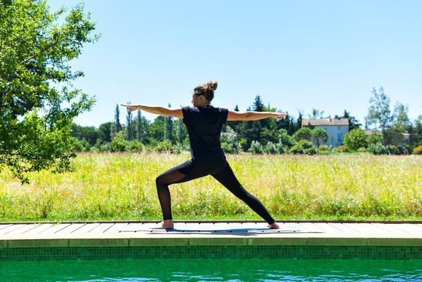 Yoga nasta piscine.jpg