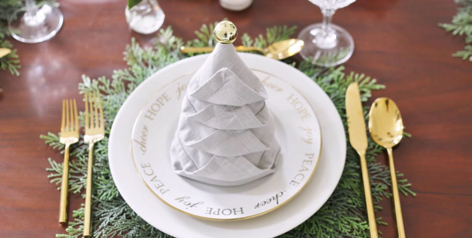 Napkin Folding - Christmas Tree