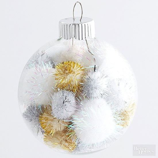 Easy Pom-Pom Ornament