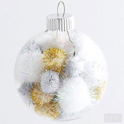 Easy Pom-Pom Ornament