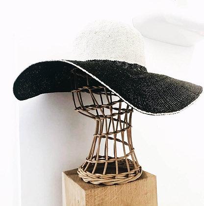 Forme à chapeau en rotin