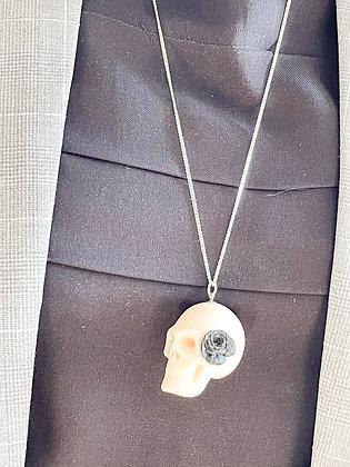 Sautoir crâne noir et crème - Bijou chiné