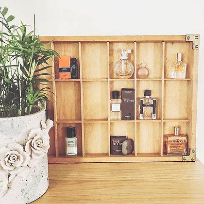 etagere-bois-parfums
